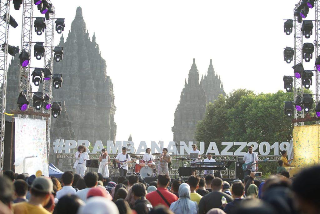 Andien di Panggung Prambanan Jazz 2019   Fotografer Naufal Ilham