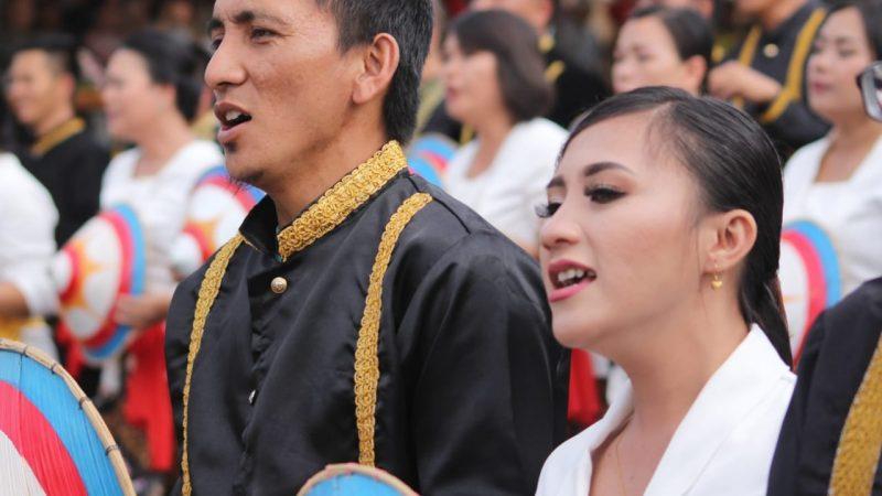 1.530 Guru Tomohon Pecahkan Rekor MURI Menari Ma'zani di TIFF 2019