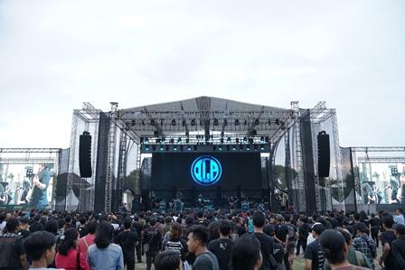 Bawakan Apocrypa, Indra Lesmana Project Bius Penonton JogjaROCKarta 2019